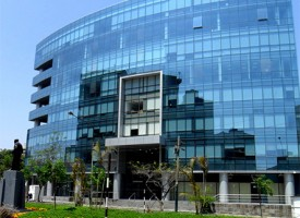 Lima,_Peru_Modern_Glass_Building